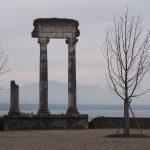 Городок Ньон на берегу Женевского озера
