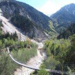 Сезон хайков открыт: Бутанский подвесной мост!